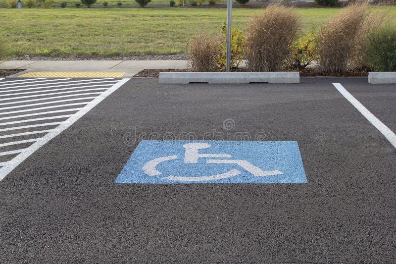 Behinderter Parkplatz stockbilder