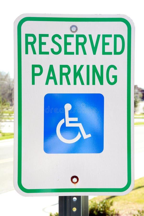 Behindertes Parken-Zeichen stockfotografie