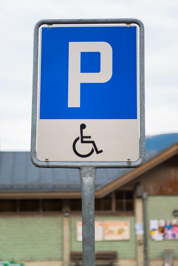 Behindertes Parkzeichen stockfoto
