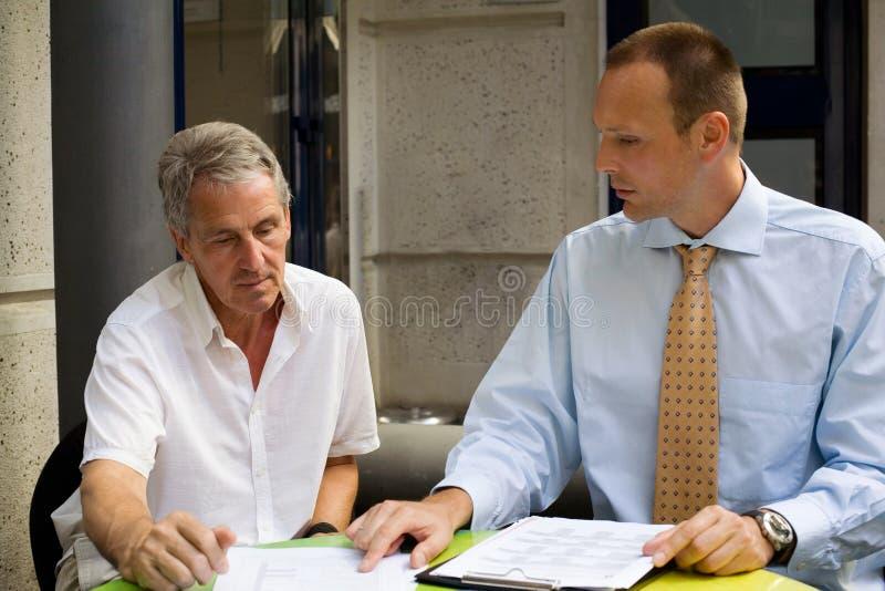 Bei der Sitzung lizenzfreie stockfotografie