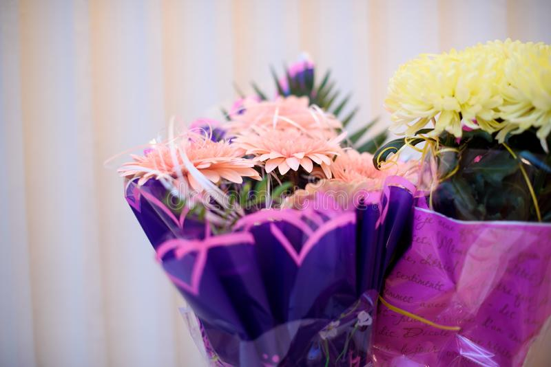 Bei fiori freschi, mazzo di bei fiori freschi Compleanno celebrazione fotografia stock