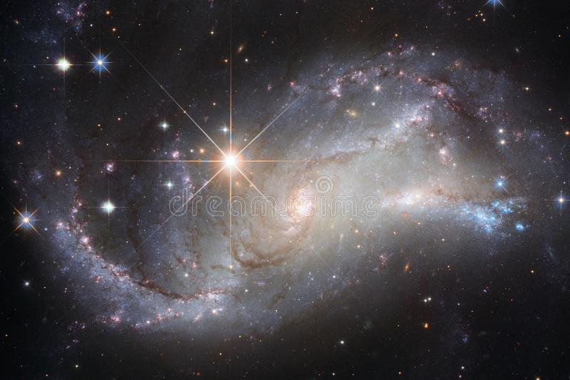 Bei galassia e mazzo delle stelle nella notte dello spazio immagini stock libere da diritti
