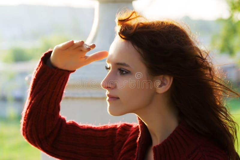 bei giovani della donna di alba fotografia stock libera da diritti