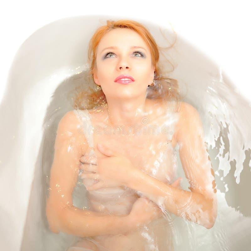 Bei Nudi O Donne Nude In Bagno Immagine Stock - Immagine di vita ...