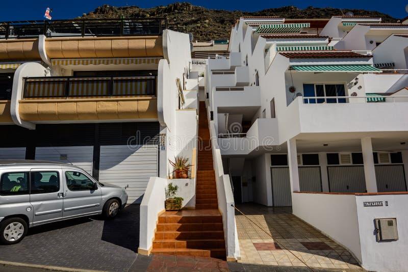 Bei punti nel Los Gigantes Tenerife Vie storiche strette incantanti del villaggio bianco fotografia stock