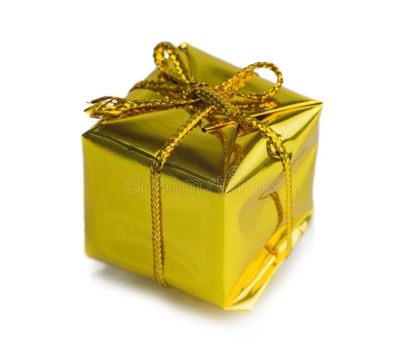 Bei regali di Natale isolati su fondo bianco fotografia stock libera da diritti