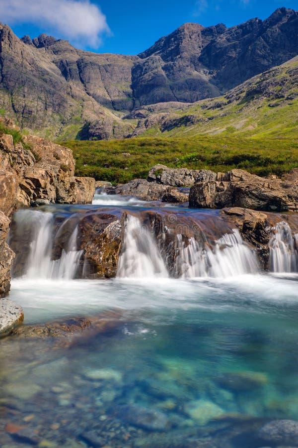 Bei stagni leggiadramente, isola di Skye immagini stock