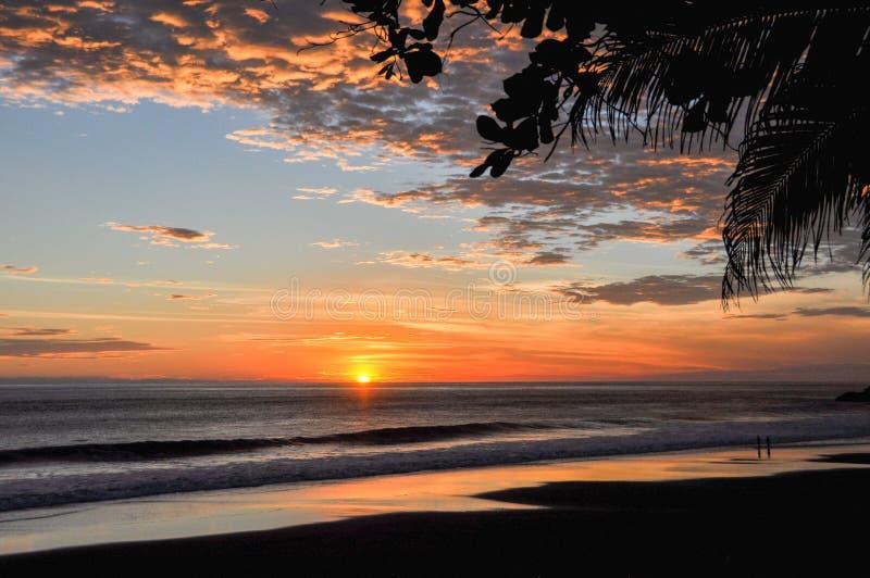 Bei tramonti del EL Zonte, El Salvador di Playa fotografie stock libere da diritti