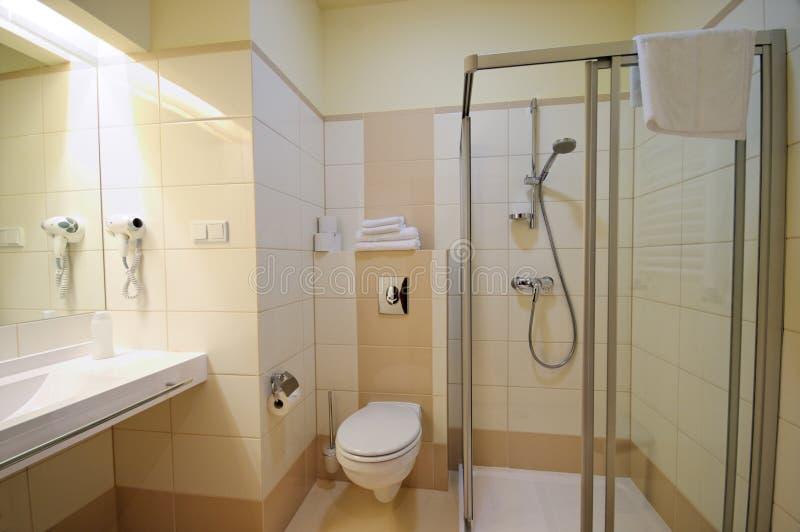 Beige badkamers stock afbeelding afbeelding bestaande uit zing 7046019 - Bruine en beige badkamer ...