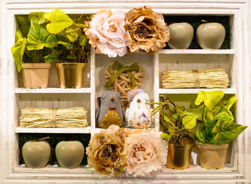 Beige houten uitstekende de stijlplank van de Provence voor huisdecoratie S stock fotografie