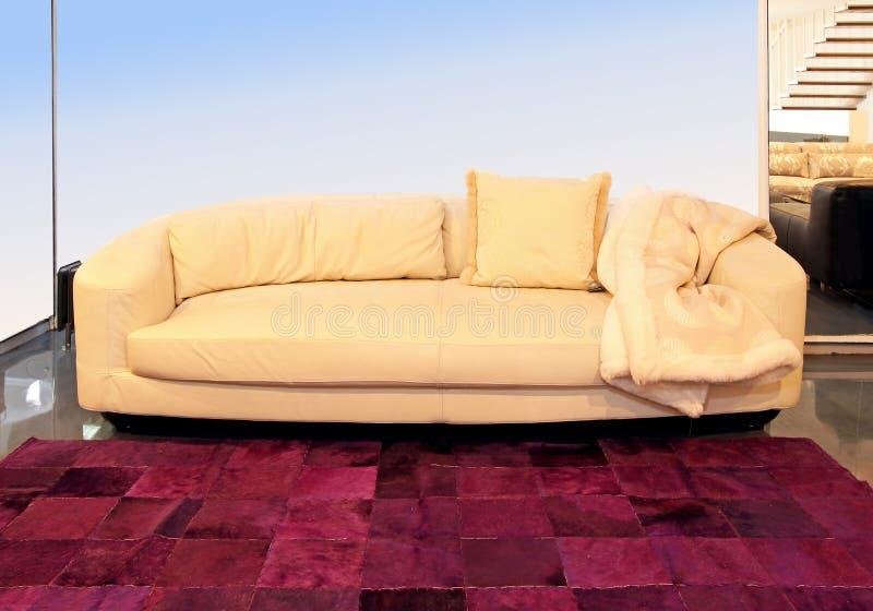 Beige Sofa Royaltyfri Fotografi