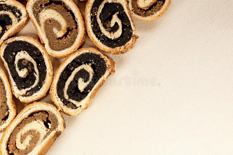 Beigli ou bejgli traditionnel hongrois 1 de gâteau photos stock