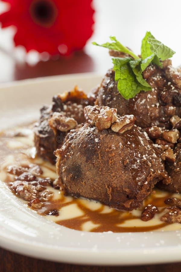 Download Beignets черепахи шоколада с Anglais Creme Стоковое Изображение - изображение насчитывающей хорошо, печенье: 33730439