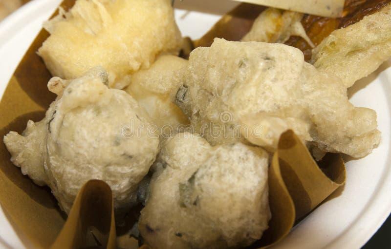 Beignets de morue de sel, frittelle di baccalà photo libre de droits