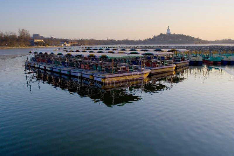 Download Beihai Beijing park zdjęcie stock. Obraz złożonej z jezioro - 4627710