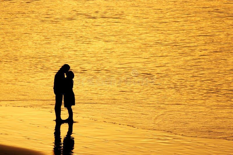 Beijo do por do sol imagens de stock