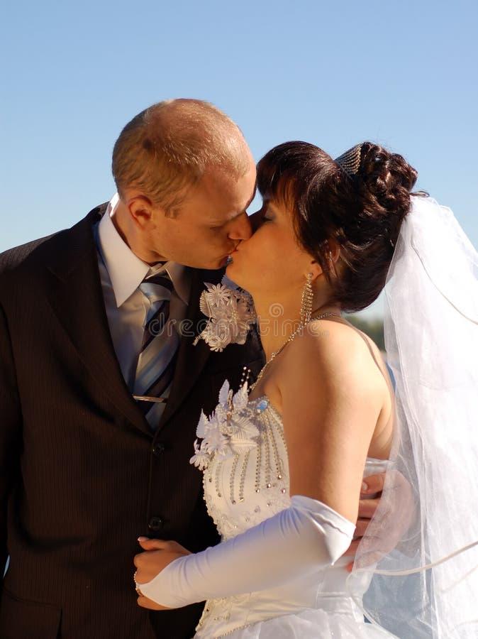 Beijo dos pares imagem de stock