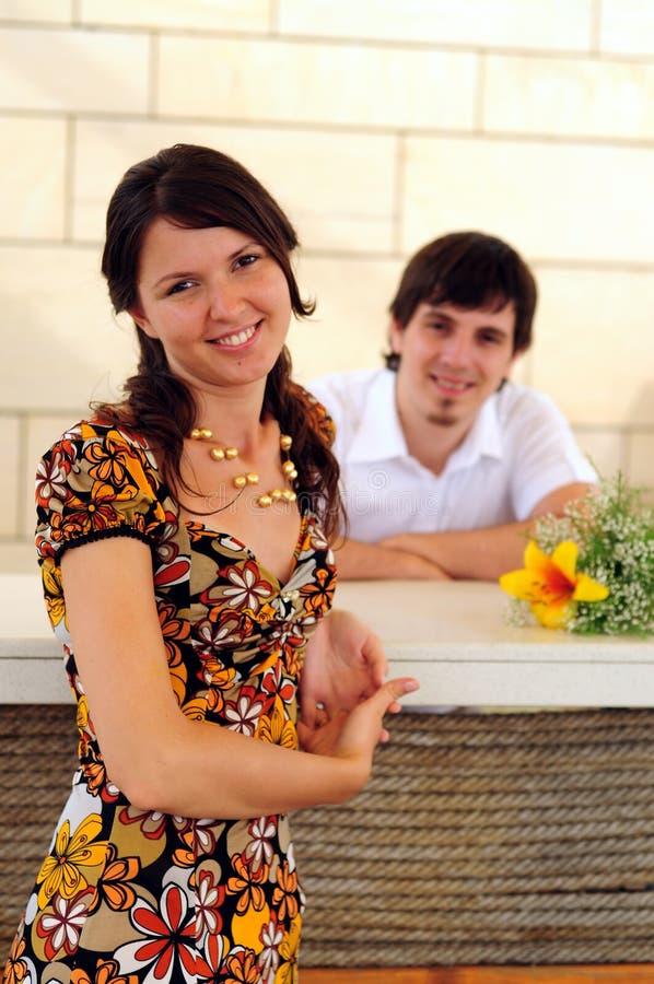 Beiläufige Paare in der Liebe stockfotografie