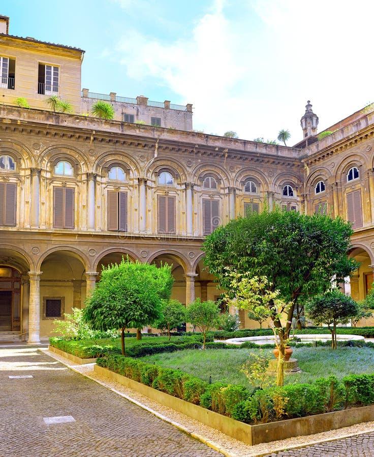 Beiliegendes Gericht von Uffizi Galerie lizenzfreie stockfotos