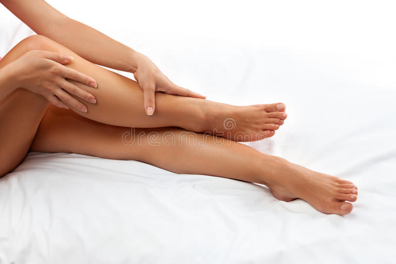 Beinmassage lizenzfreie stockfotografie