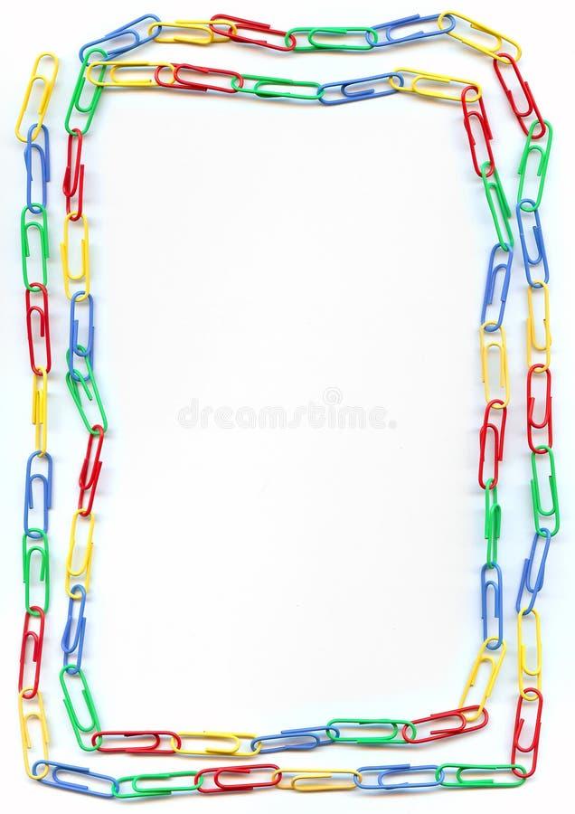 Beira colorida dos paperclips fotografia de stock royalty free
