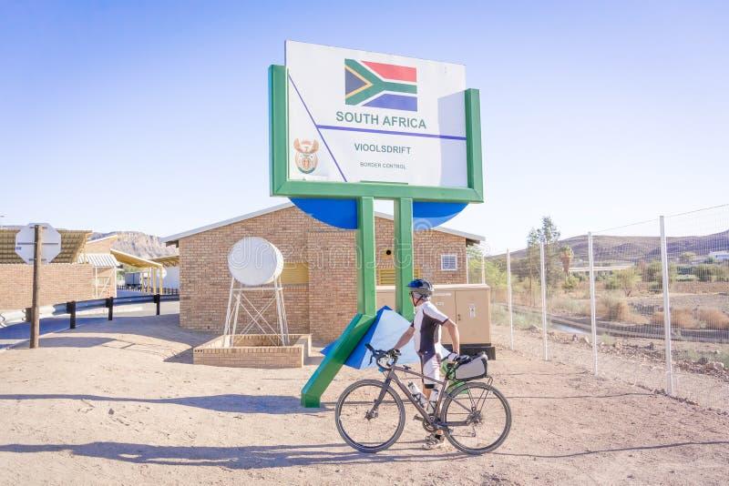 Beira de Namíbia e de África do Sul em Vioolsdrif imagem de stock royalty free