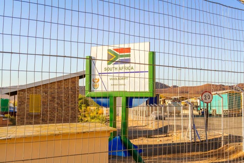 Beira de Namíbia e de África do Sul em Vioolsdrif fotografia de stock royalty free
