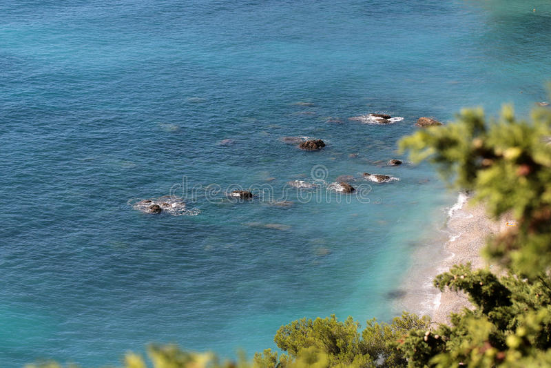 Beira-mar bonito visto de cima de imagens de stock royalty free