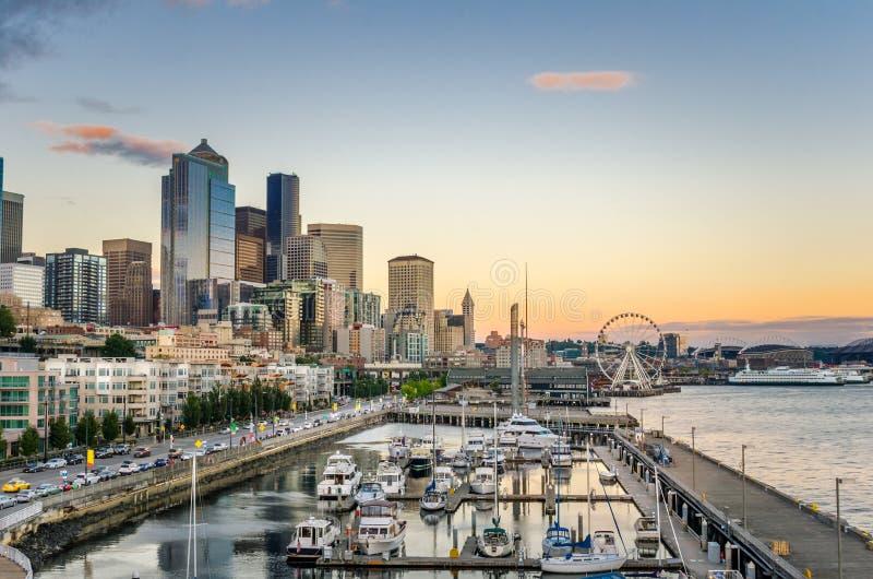 Beira-rio de Seattle no por do sol foto de stock royalty free