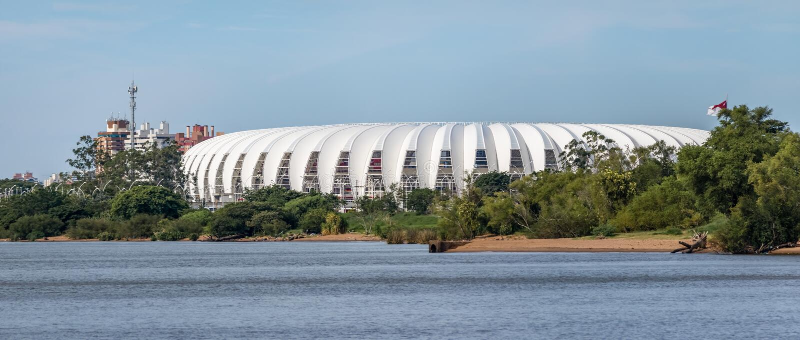 Beira Rio Stadium und Guaiba-Fluss- Porto Alegre, Rio Grande tun Sul, Brasilien lizenzfreie stockbilder