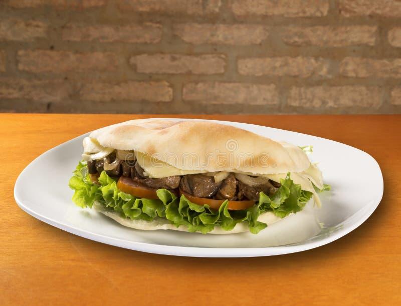 Beiruten - en brasiliansk smörgås royaltyfri fotografi