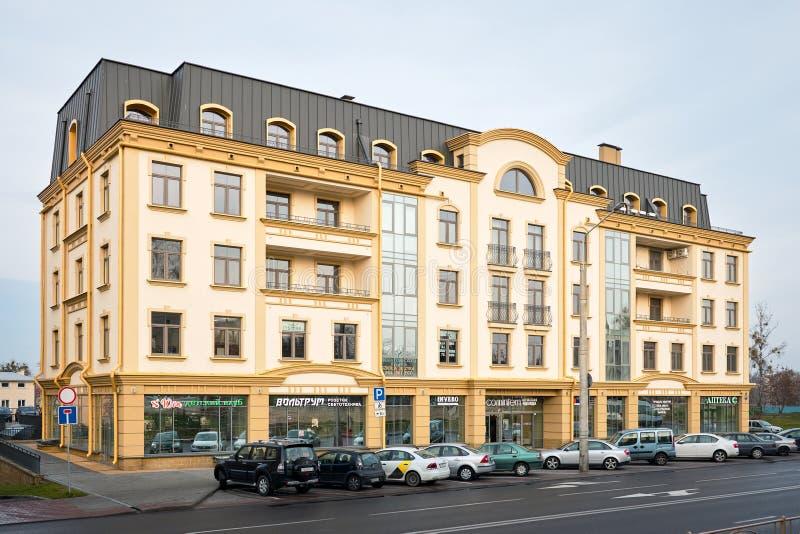 Beispiel einer modernen Architektur des Wohngebäudes in Osteuropa in Weißrussland Grodno lizenzfreie stockfotografie
