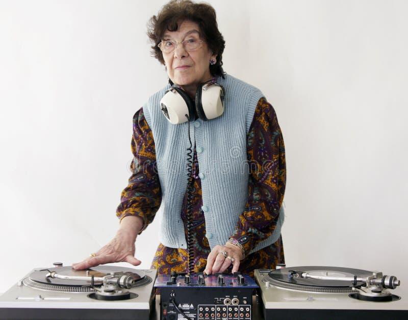 Bejaard DJ royalty-vrije stock foto's