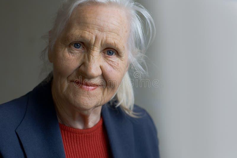 Bejaarde dame stock fotografie