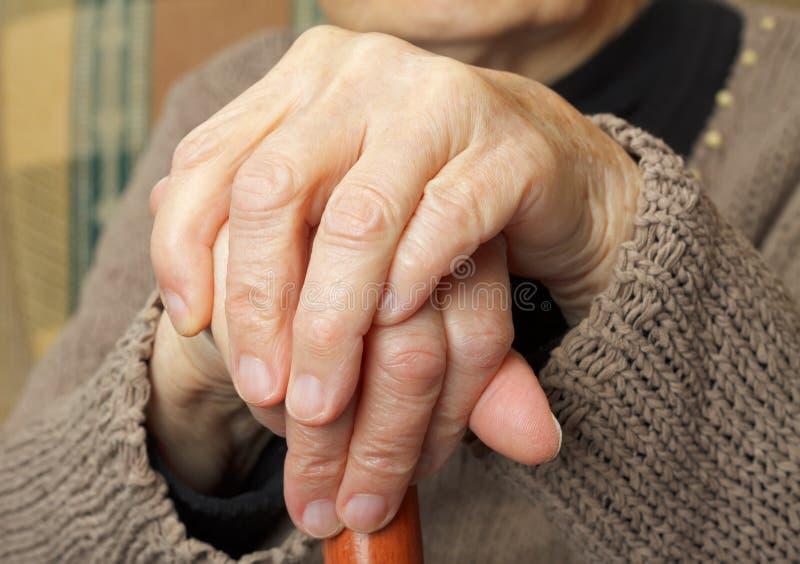 Bejaarde handen stock foto's