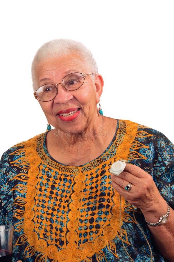 Bejaarde met het levensalarm royalty-vrije stock foto's