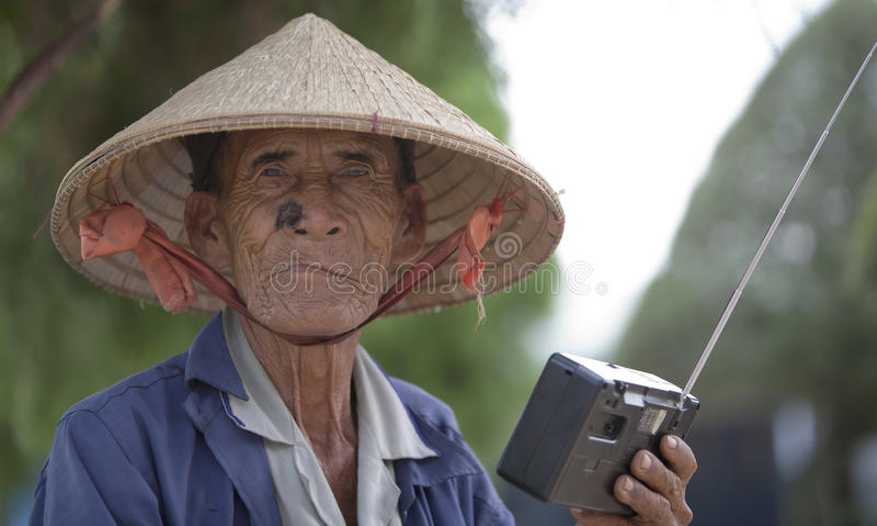 Bejaarde Vietnamese mens royalty-vrije stock afbeelding