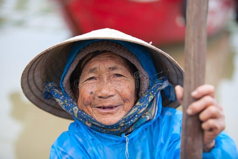 Bejaarde Vietnamese vrouw stock foto