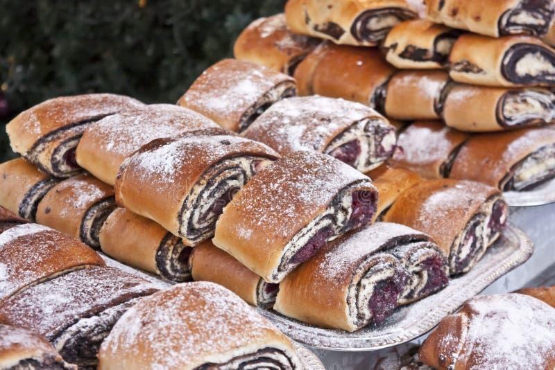 Bejgli - traditioneller ungarischer Weihnachtskuchen lizenzfreies stockfoto