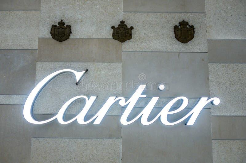 Bejing Κίνα 23 02 2019 λογότυπο καταστημάτων Cartier στο εμπορικό κέντρο πολυτέλειας στην καρδιά της πόλης στοκ εικόνα