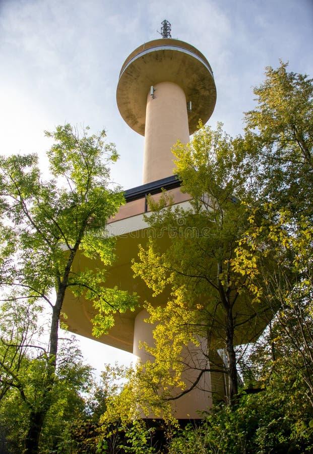 Bekijk de Gauss Tower De Gaussturm is een uitzending- en observatietoren royalty-vrije stock fotografie