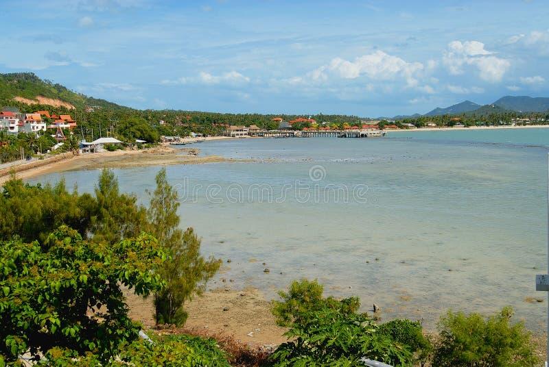 Bekijk het de overzeese kust en Chaweng-strand bij Koh Samui-eiland, Thailand stock afbeelding