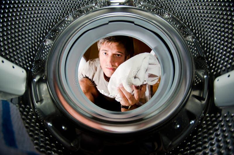 beklär smutsig tvätt arkivfoton