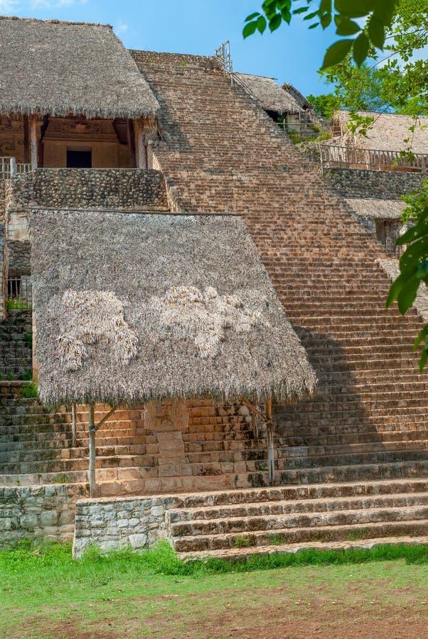Beklim aan de hemel op het archeologische gebied van Ek Balam stock fotografie