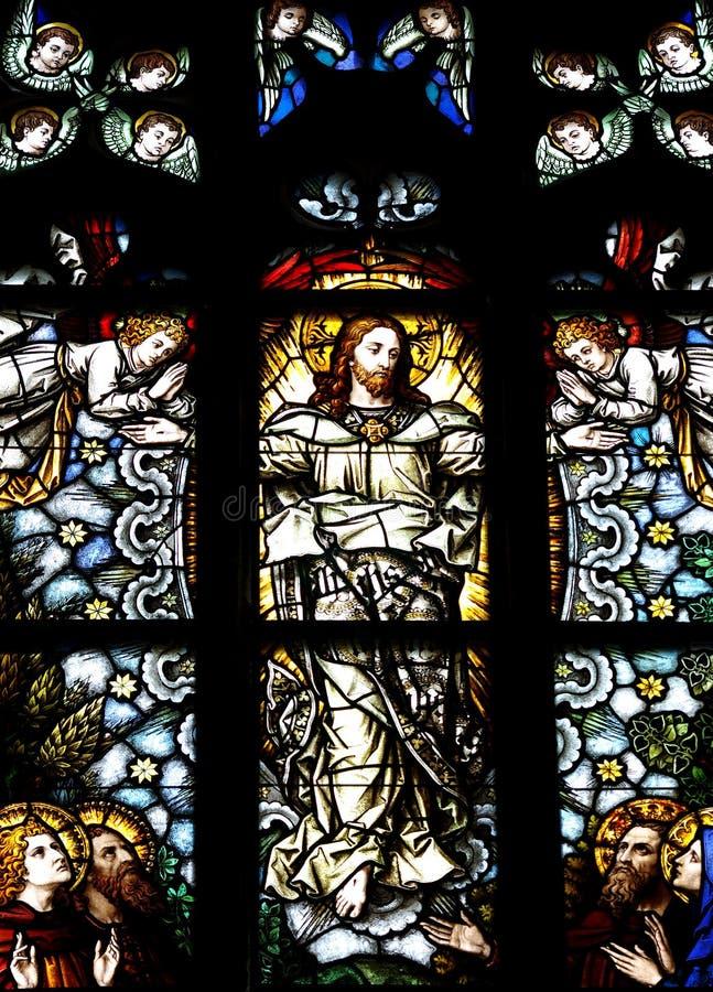 Beklimming van Jesus-Christus in gebrandschilderd glas stock foto's