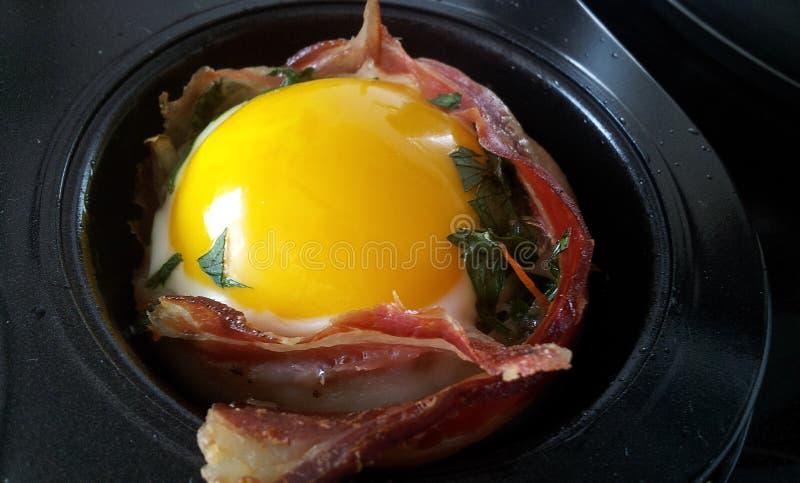 bekonu chleba zakończenia jajko pokrajać obraz stock