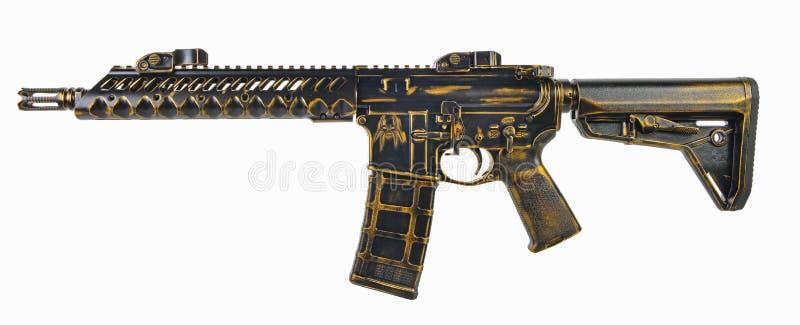 Bekymrat svart och guld SBR AR15 med 30. mag royaltyfri bild