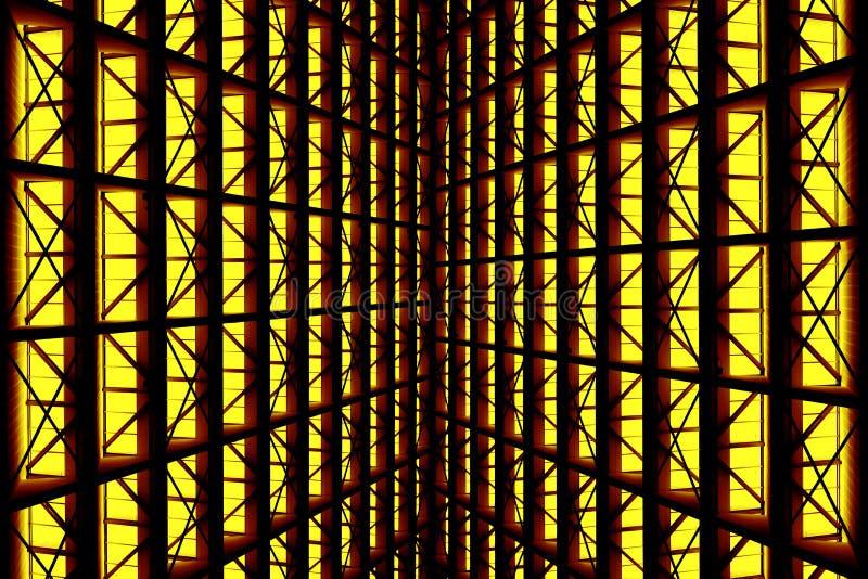 Belägga med metall designen av en inre i en modern byggnad arkivfoton