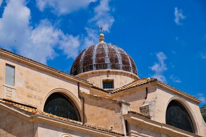 Belägga med metall kupolen, romaren - den katolska domkyrkan, Dubrovnik, Kroatien fotografering för bildbyråer