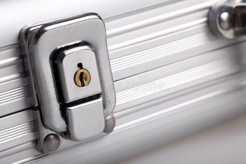 Belägga med metall resväskan låser fotografering för bildbyråer